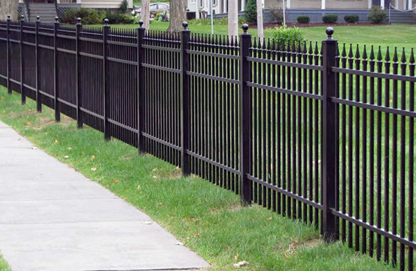 Residential Decorative Aluminum Sectional Fence With